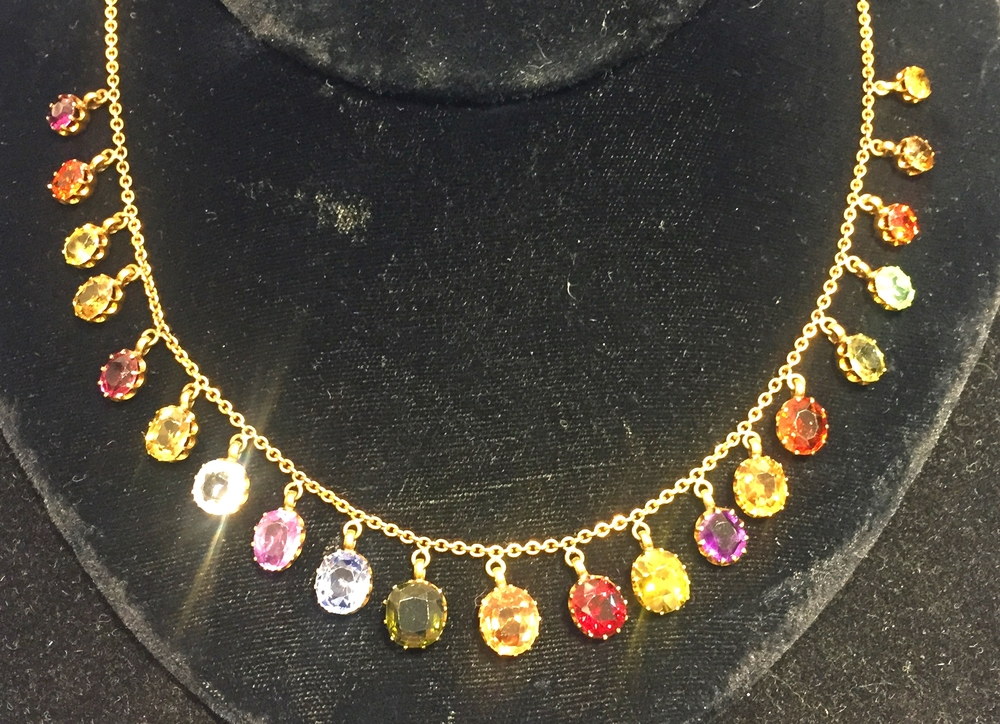 We've been looking for a multi-stone drop necklace and we've found it in this Victorian beauty.