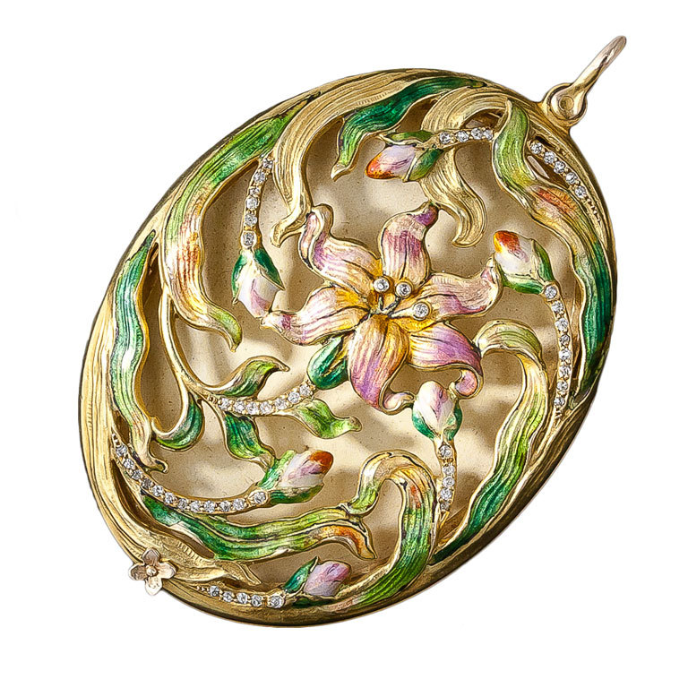 Sometimes we need a little swirly Art Nouveau realness to contrast with our aggressive personalities. You know what we mean? Enamel and diamond locket c.1900 available from  Lang Antiques via 1stdibs.com .