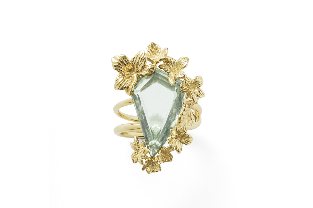 Jordan Askill  18k yellow gold Viola Canadensis twisted shank ring with bespoke faceted green amethyst.
