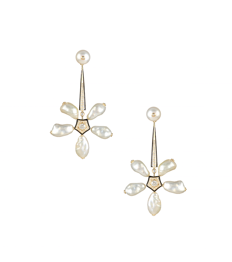 Narcotic Jasmines earrings in natural pearls, enamel and diamonds.