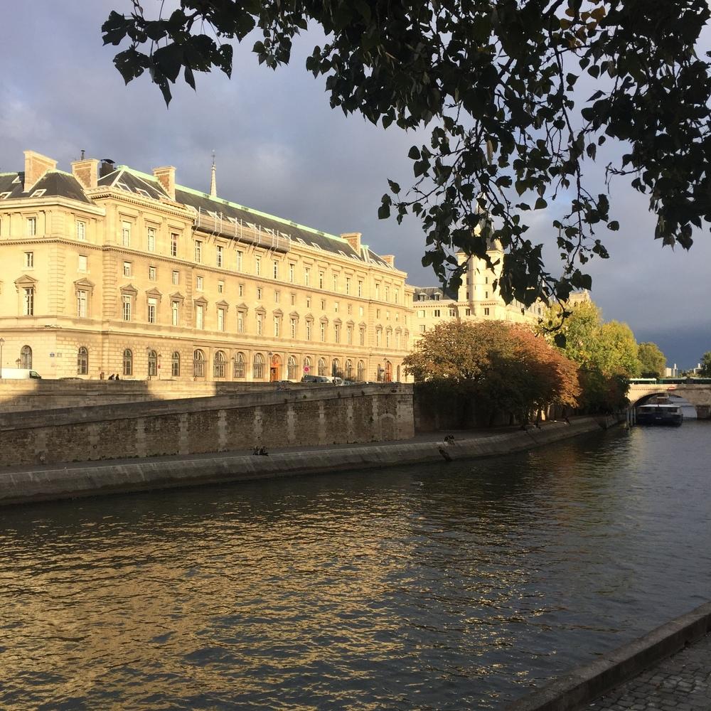 Super hideous view of La Seine.