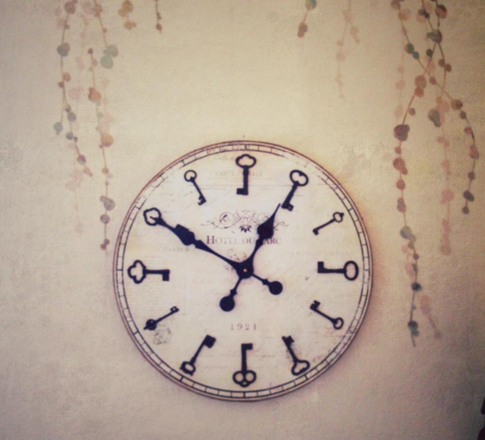 Candice Sardella Studio Clock