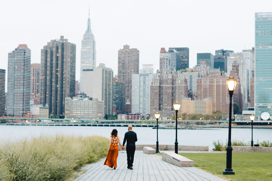 Brooklyn NYC Wedding Photographer Boris Zaretsky Engagement in Gantry Park_B2C5652.jpg