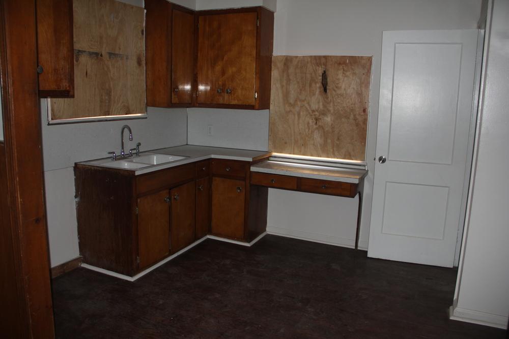 18412 Steel-Kitchen.JPG