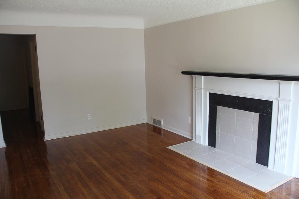 18225 Santa Rosa (Living Room).JPG
