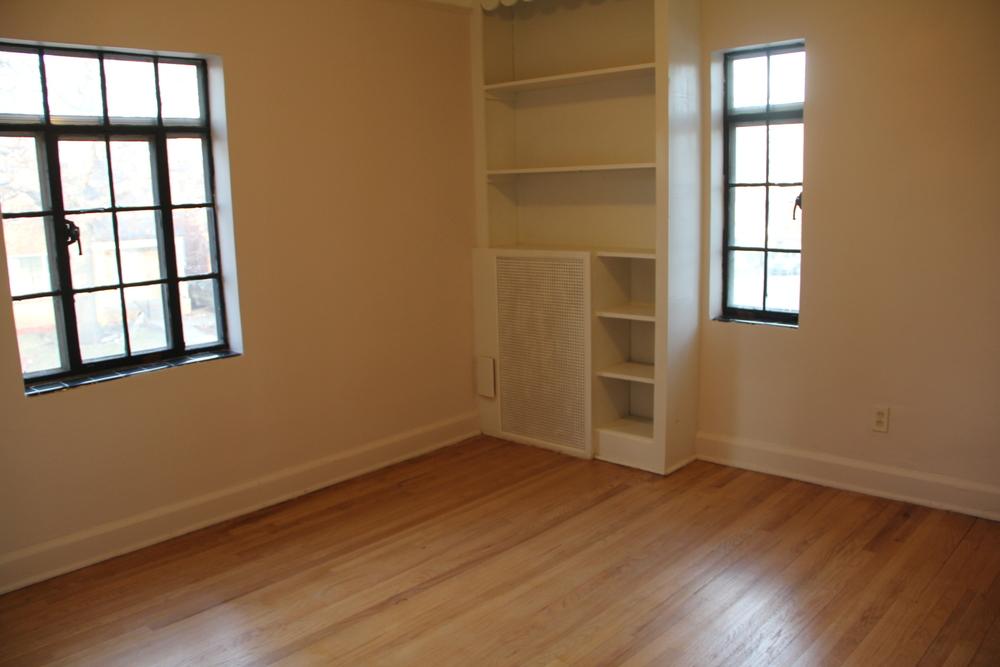 Bedroom 2 (2).JPG