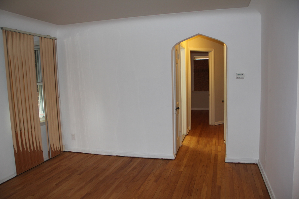 19475 Stoepel Hallway.jpg