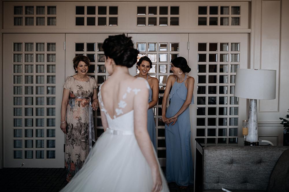 modern-baltimore-mill-house-wedding-06.jpg
