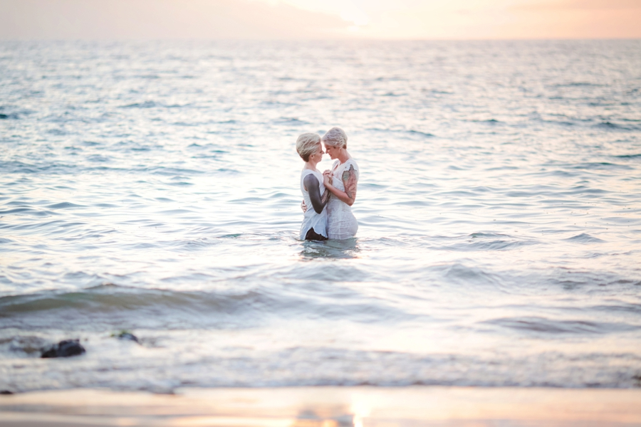 Underwater Elopement  |  www.justloveweddings.ca