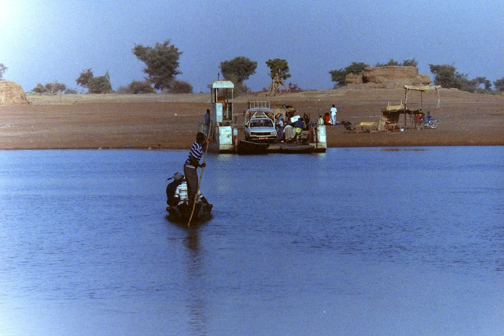 Ferry to Djenne