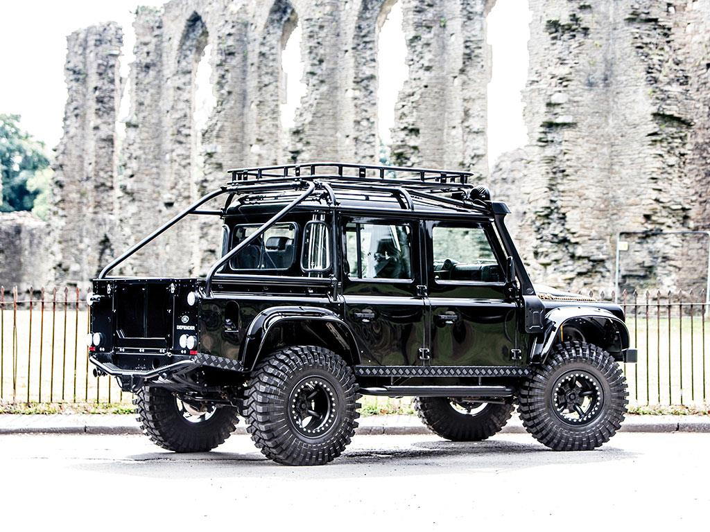 The Ultimate Land Rover Defender At Auction Drive The Globe