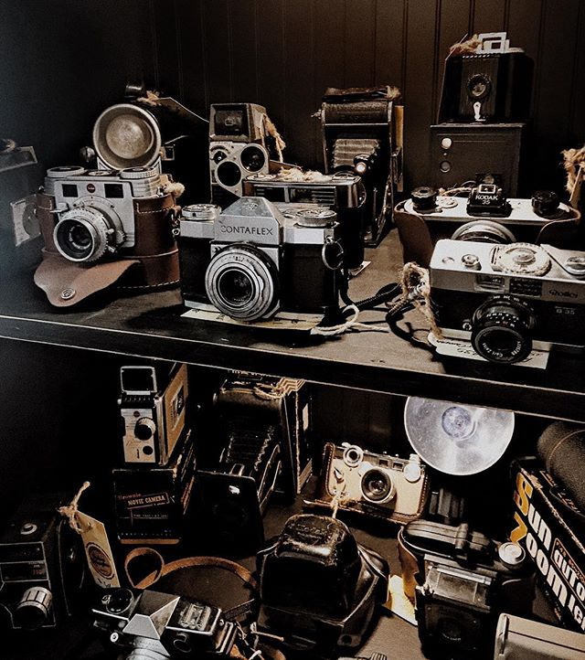 Nostalgia on high. I've loved vintage cameras since my dad showed me the very first camera he owned. i have a decent collection, but maybe I'll ask Santa for one that actually works this year 😂