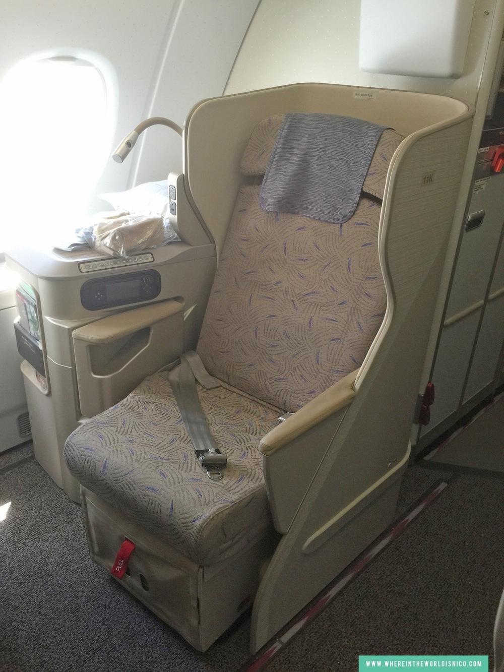 asiana-a380-icn-lax-seat-11k.JPG