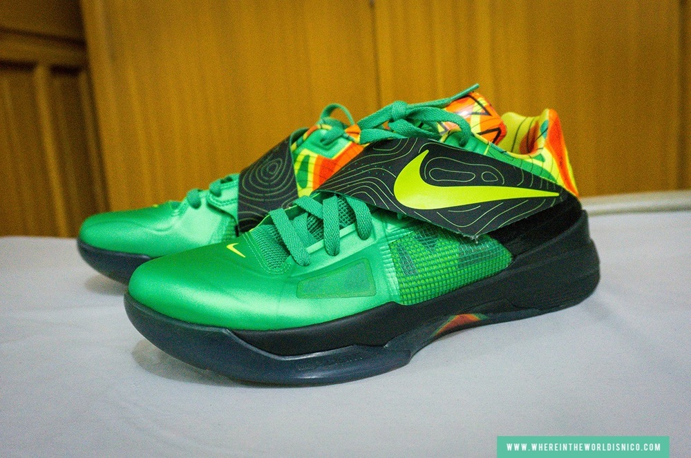 "Nike Zoom KD IV ""Weatherman"" (street value $1,200)"