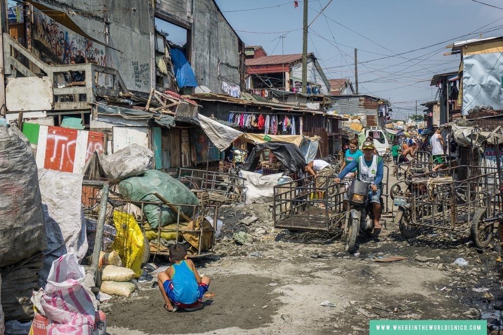 happyland-tondo-manila-derelict-buildings.jpg