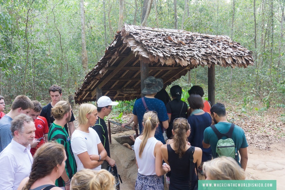 hcmc-vietnam-cu-chi-tunnels-tour-tunnel-entrance.jpg