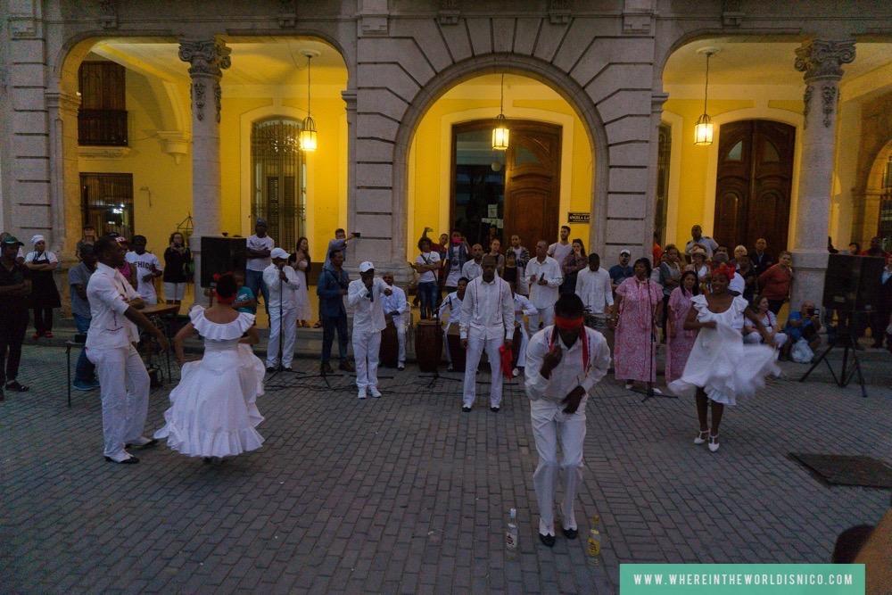 cuba-havana-plaza-vieja-dance.jpg