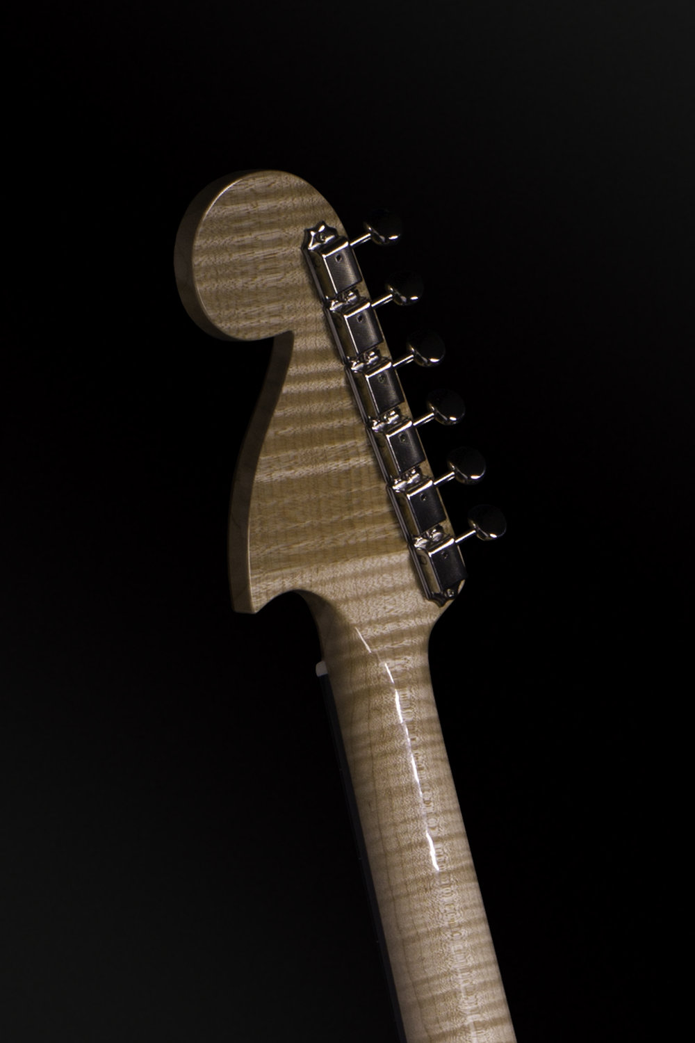 002_Bigsby_3q_back_headstock.jpg