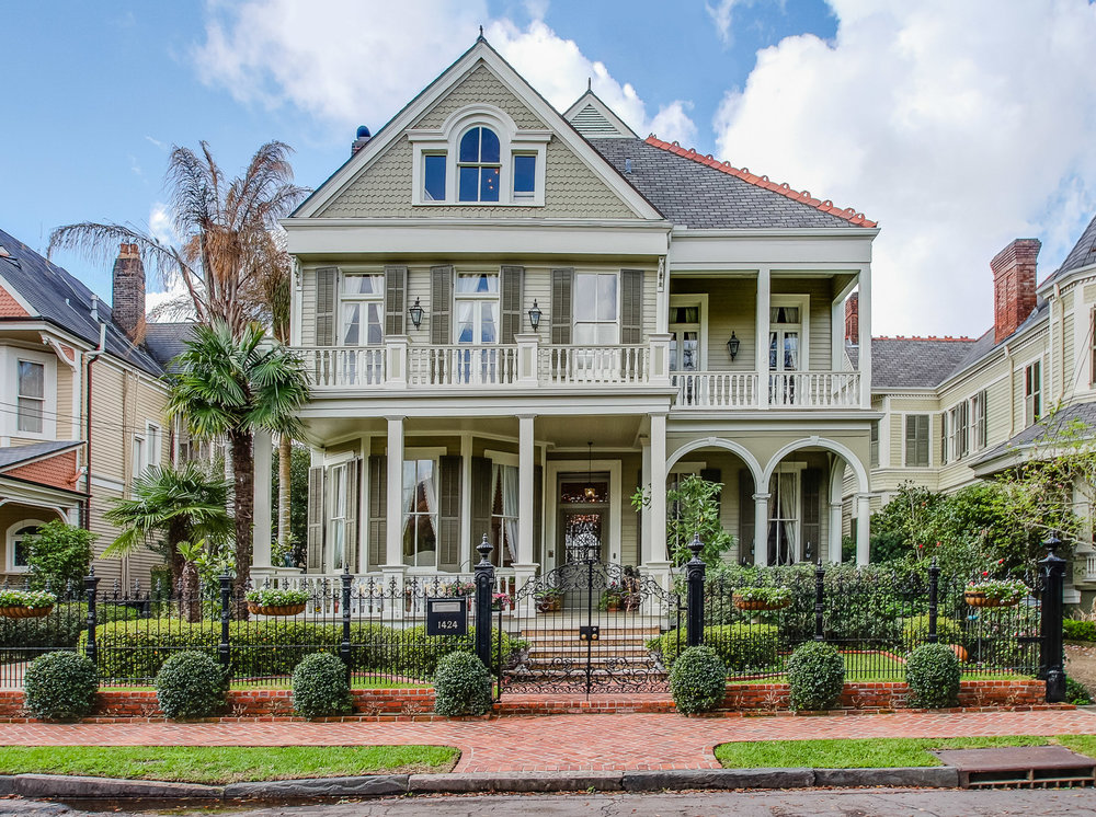 GARDEN DISTRICT   Classic homes in Italianate, Greek Revival and Victorian styles with generous land plots for magnificent gardens