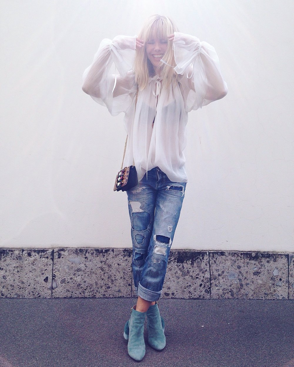 REDEMPTION blouse, Vintage jeans, SEBASTIAN boots and GEDEBE bag