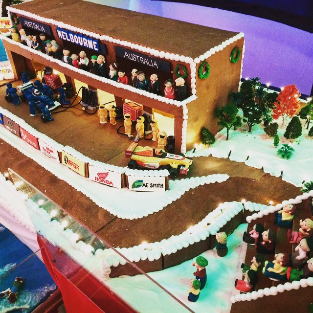 gingerbreadvillagebyepicure02.jpg