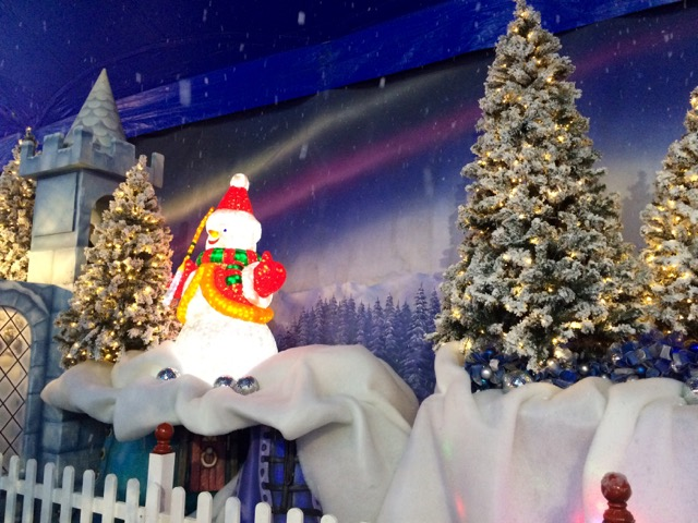 santasmagicalkingdom03.jpg