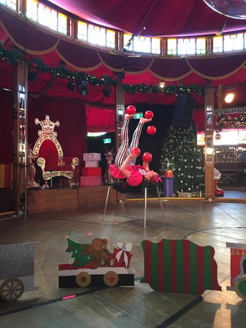 santaschristmasspectacular13.jpg