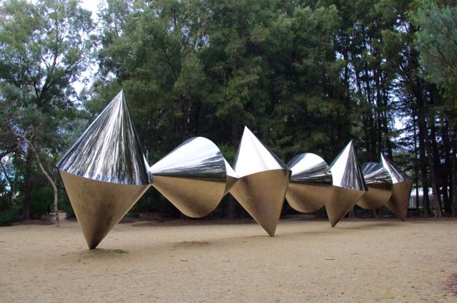Bert Flugelman's Cones - Photo credit: @busycitykids