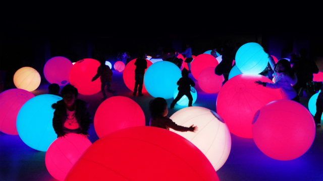 Light Ball Orchestra - Photo credit: TeamLab