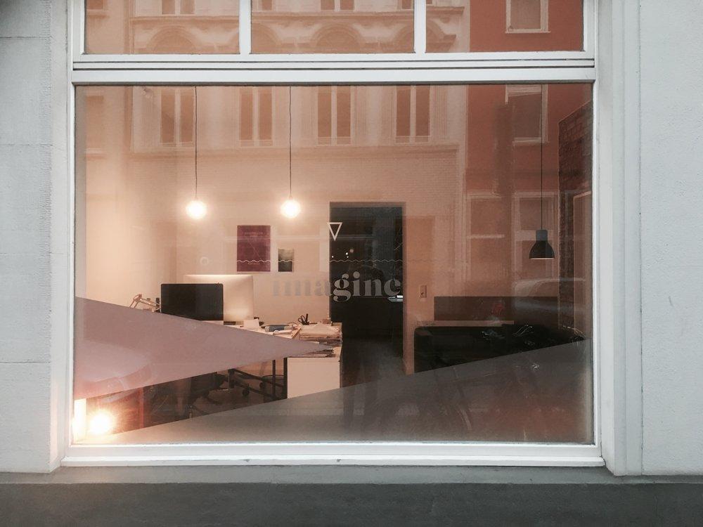BAR Window imagine