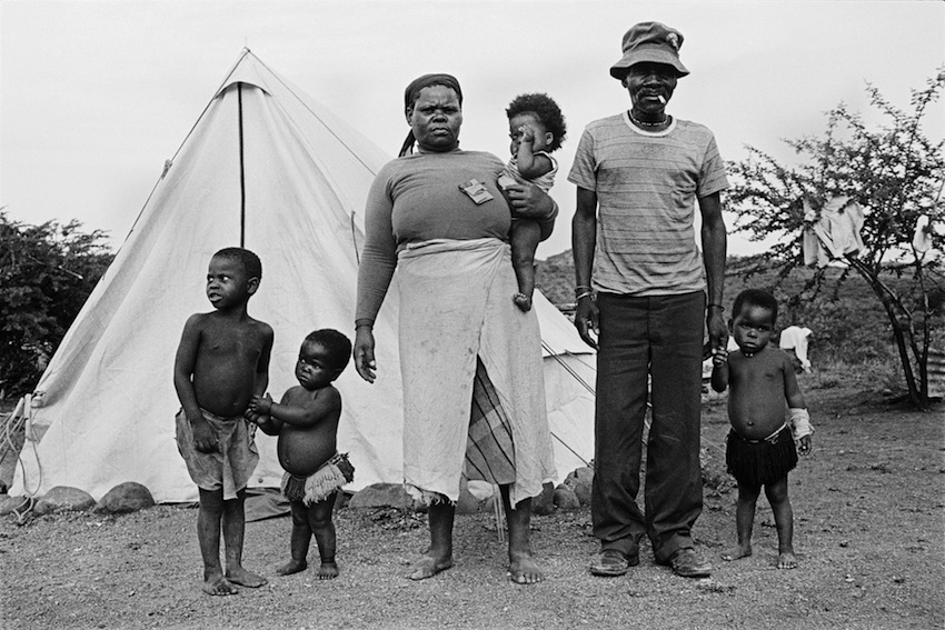 A tenant farmer family evicted from white-owned land, Weenen, KwaZulu-Natal, 1988