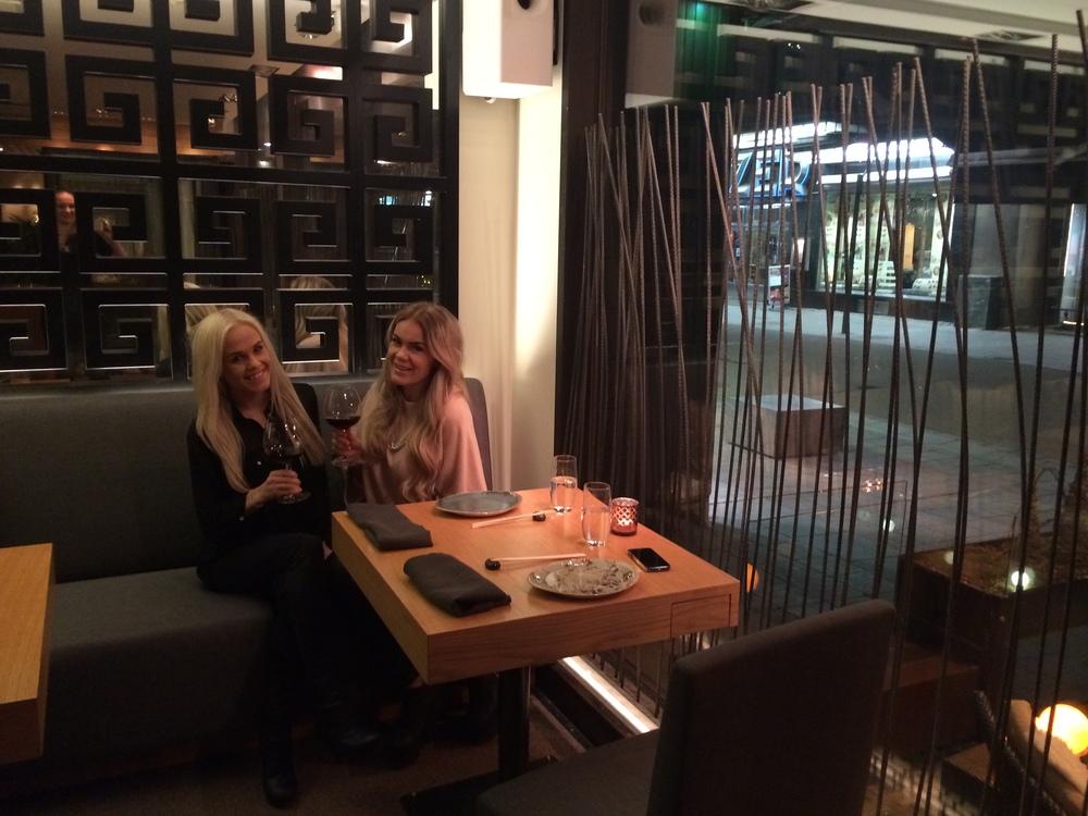 Tässä yksi mun parhaista ystävistä Jannica ku käytiin YUMEssa syömässä pari viikkoa sitten. Oli niin onnistunut ilta! Kiitos ihana Yume.http://ravintolayume.fi