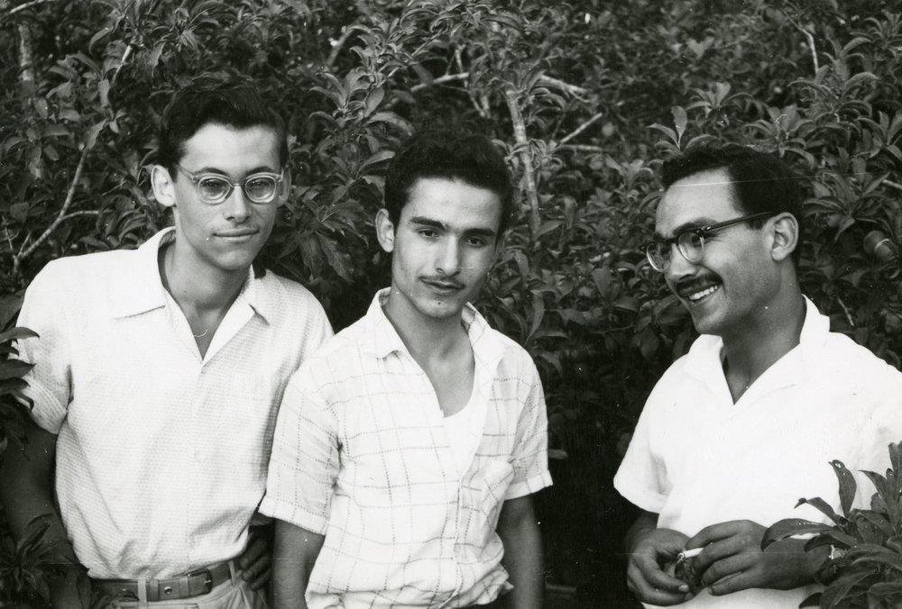 Vännerna Ali i mitten och Salah till höger