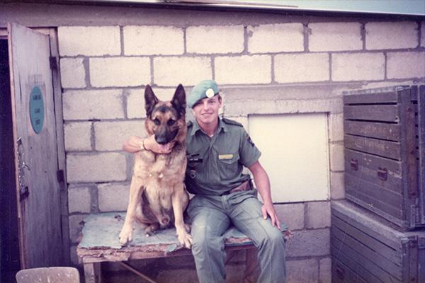 Hunden Wass och Anders Johansson
