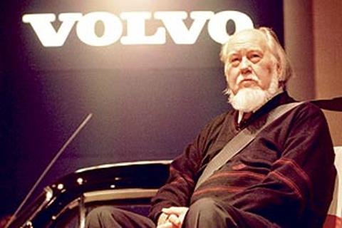 Nils Bohlin. Inventor del cinturón de seguridad de 3 puntos