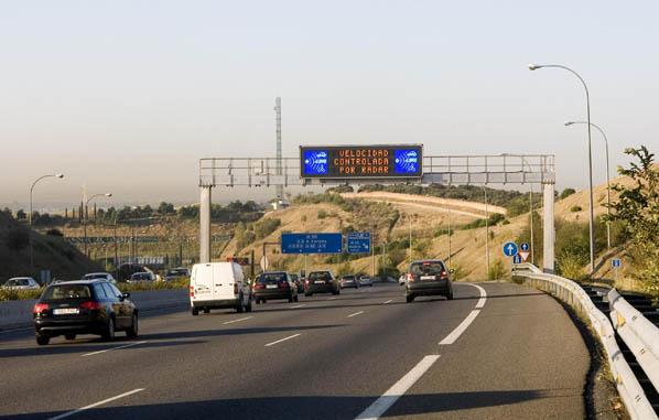 Aviso de radar en una carretera española