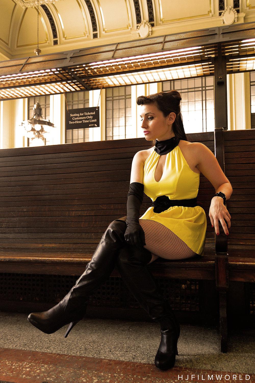 Model: Amanda Gail