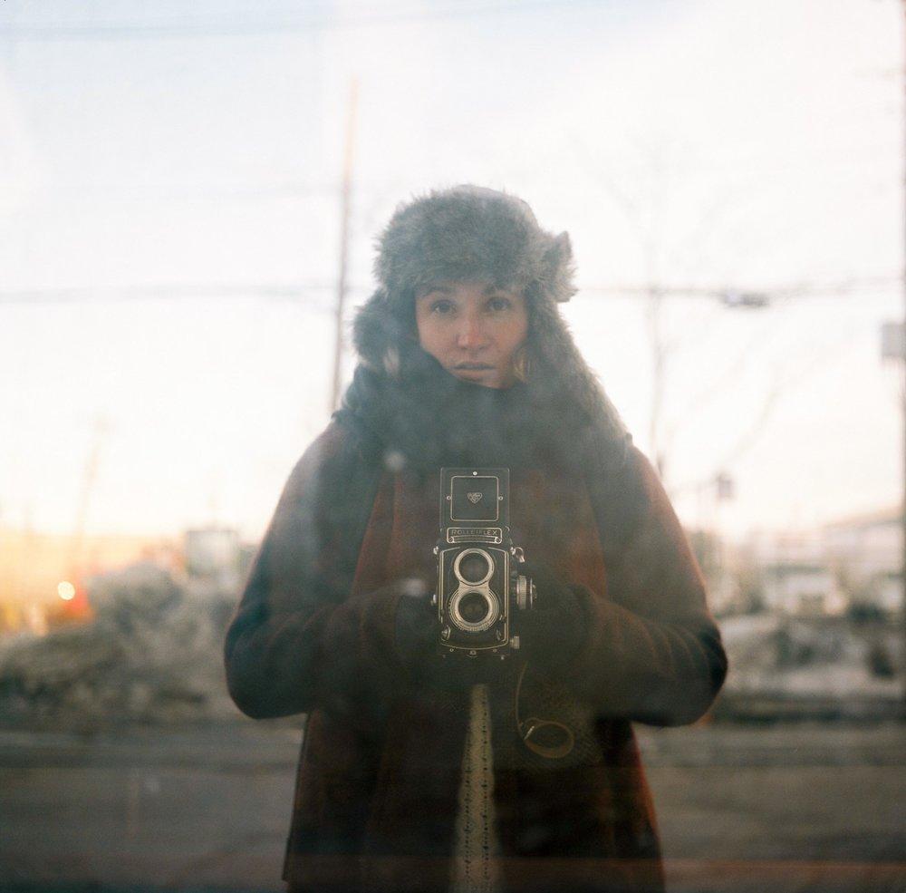 celine hamelin autoportrait portrait celine hamelin rolleiflex photographe argentique  - copie.jpg