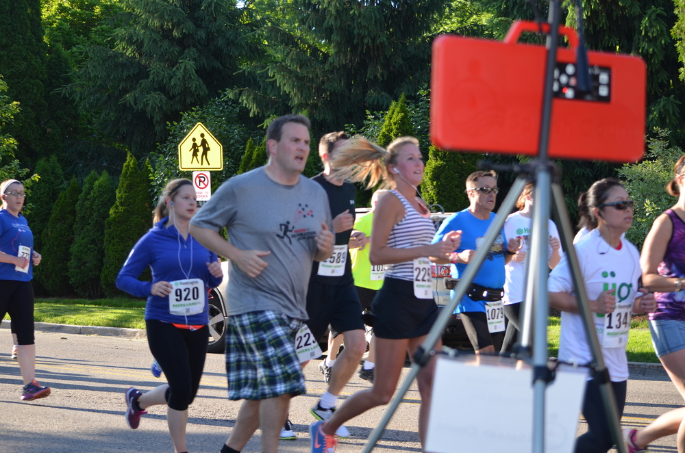Splash Count at the 1 mile mark at the Reeds Lake Run in East Grand Rapids, MI to display race time.