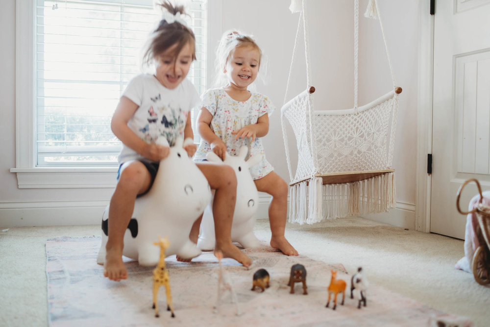 The girls were having a blast on their two * cows  riding in to Noah's Ark... ;)