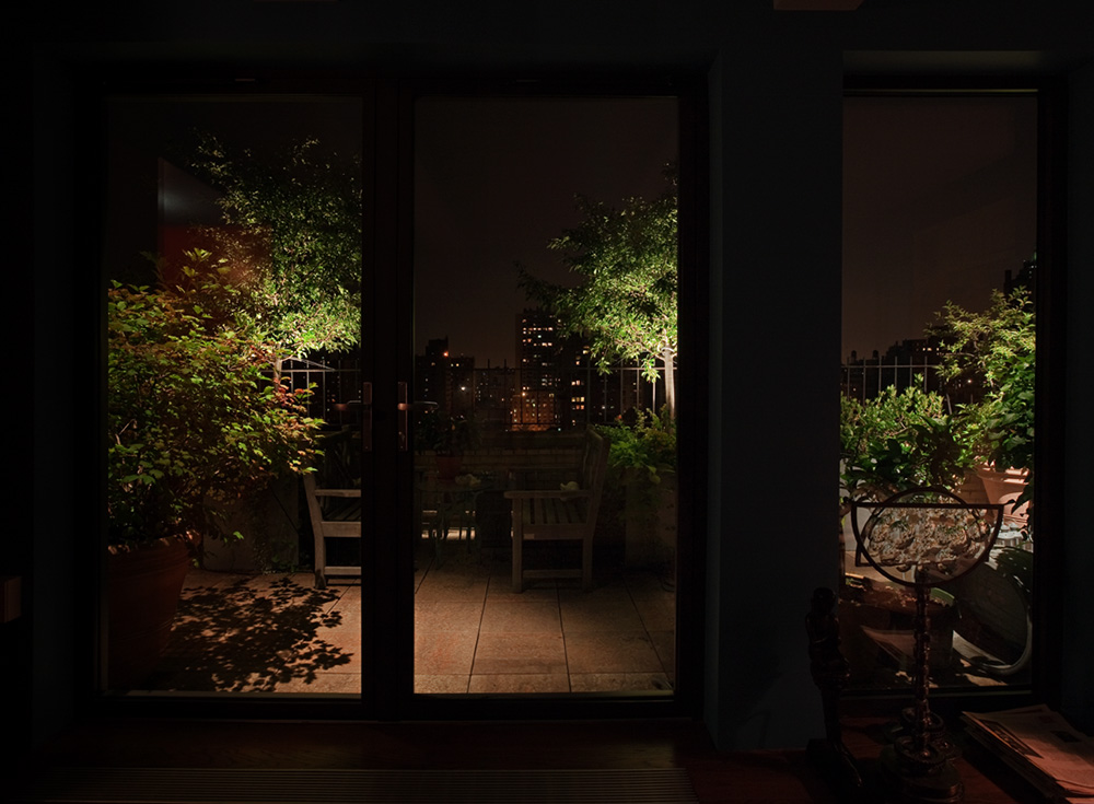 outdoor-living-space-landscape-lighting.jpg