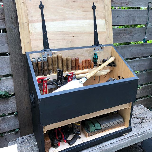 Dutch tool chest is nearly done, including a drawer in the lower cabinet for all the little things.