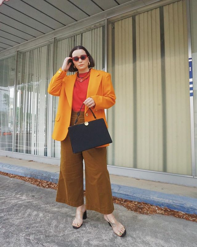 Trying to wear all the blazers before it's blazing 🔥 Thrifted this one in Michigan a few weeks ago and I am OBSESSED with the color. An oversized blazer paired with a wide leg pant 🙌🏻 FAV. ⁣ ⁣ #whatiwore #alwaysplaydressup #whatshewore #ootd #instastyle #vintage #style #thrifted #fashion #vintagestyle #vintagefashion #thriftstorestyle #thriftstore #thriftstorefinds #vintagelover #consciousfashion #blogger #fashionblogger #styleblogger #florida #floridablogger #whenthriftersthrift #everydaymadewell #mywhowhatwear