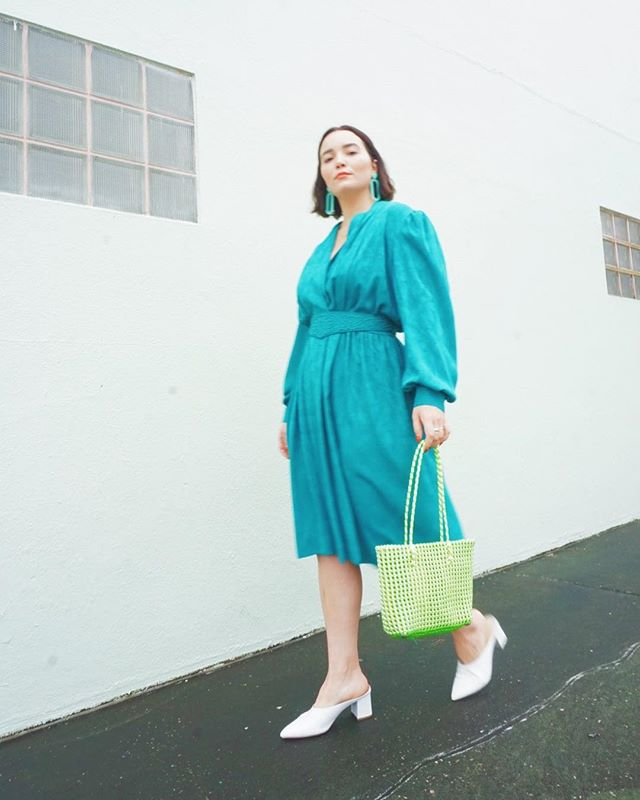 Okay y'all. Get ready for some #springspreeofstyle || I've got TWO looks I'll be sharing today. Lots of vintage and thrifted goodness. When I think of spring I think of COLOR and DRESSES! What's your favorite way to dress for spring? ⁣ ⁣ #whatiwore #whatshewore #ootd #instastyle #alwaysplaydressup #vintage #thrifted #style #styled #fashion #vintagestyle #vintagefashion #thriftedfashion #thriftedstyle #thriftstorestyle #blogger #consciousfashion #stylebloger #fashionblogger #floridablogger #lovelakeland