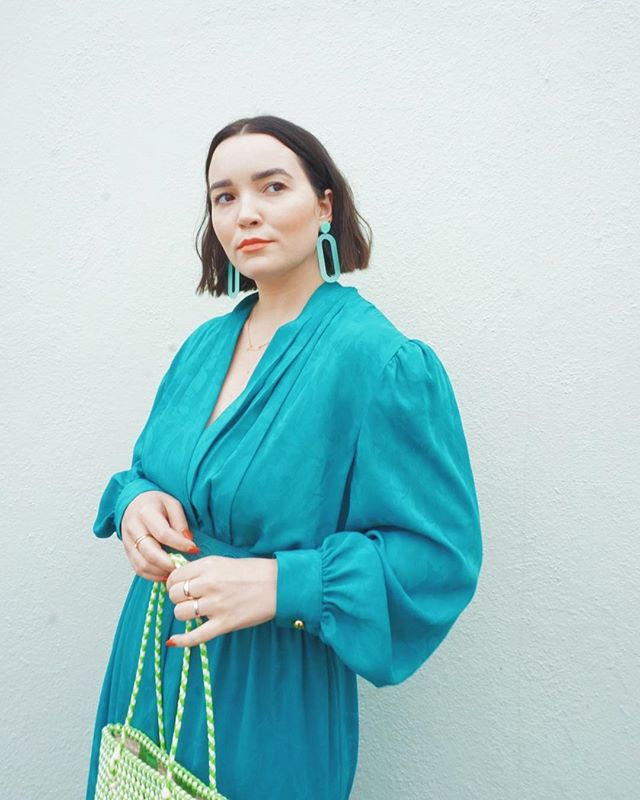 Give me all the yummy blues & greens || these @eunicethelabel earrings totally brought this look to life. I love the way they modernize this vintage dress ✨⁣ #springspreeofstyle⁣ ⁣⁣ ⁣⁣ #whatiwore #whatshewore #ootd #instastyle #alwaysplaydressup #vintage #thrifted #style #styled #fashion #vintagestyle #vintagefashion #thriftedfashion #thriftedstyle #thriftstorestyle #blogger #consciousfashion #stylebloger #fashionblogger #floridablogger #lovelakeland
