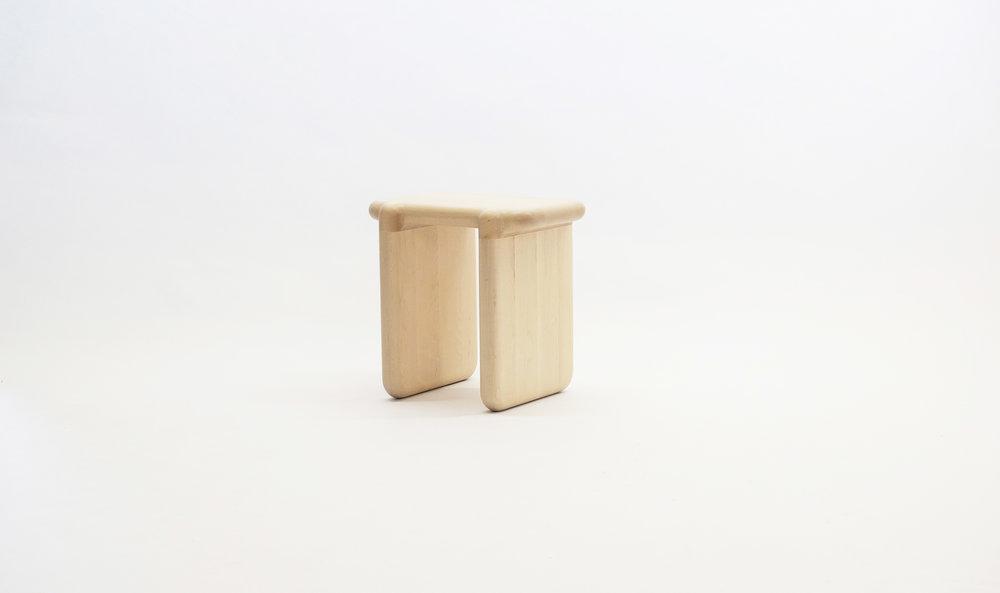 stool_bone_01b_loicbard.jpg