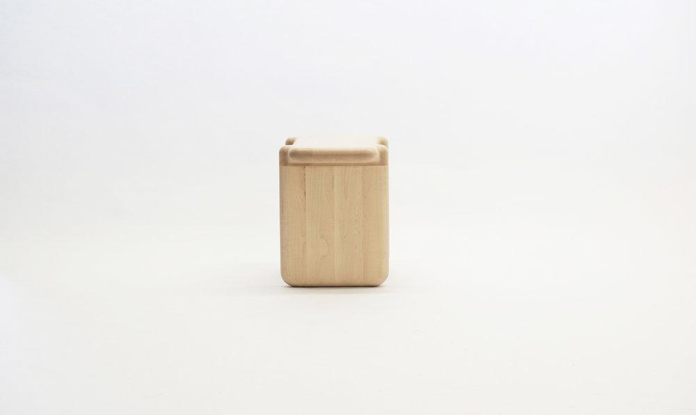 stool_bone_01c_loicbard.jpg