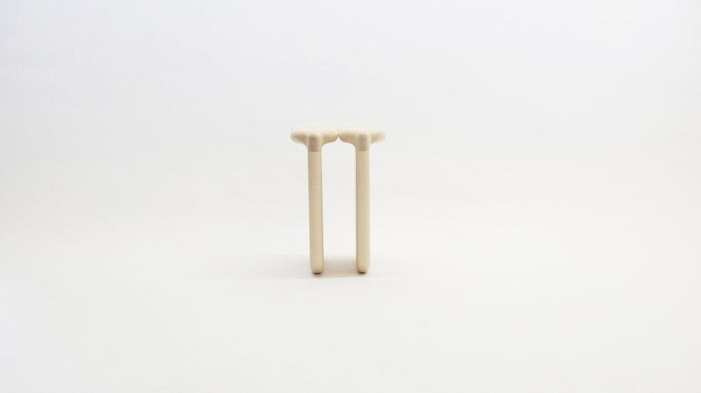 stool_bone_03a_loicbard.jpg