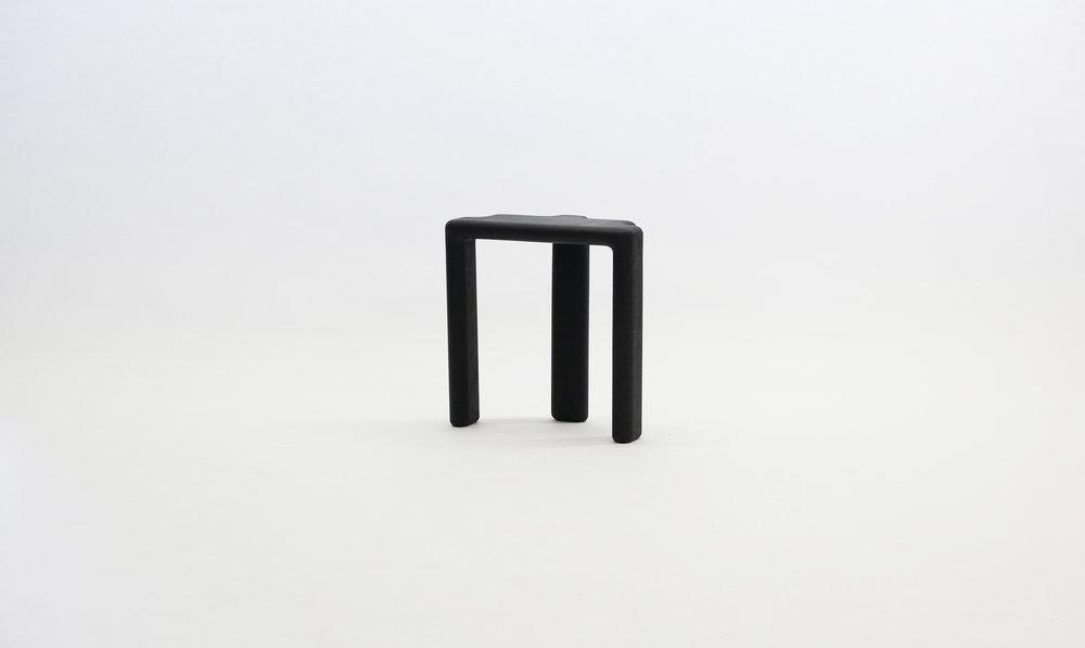 stool_bone_06c_black_loicbard.jpg