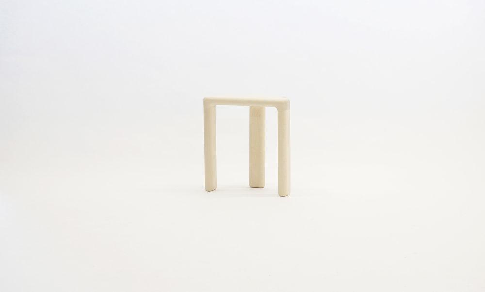 stool_bone_06b_white_loicbard.jpg